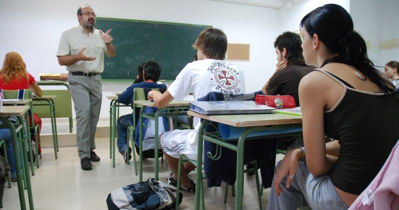 El Tribunal Supremo declara nulo el cese de los profesores interinos justo antes del comienzo de las vacaciones de verano