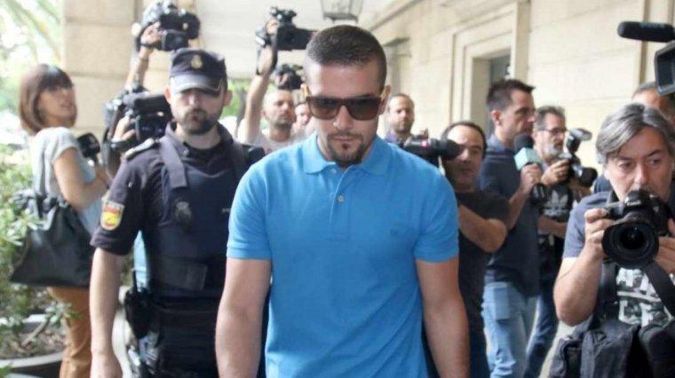 ¿Por qué no se considera reincidencia el delito cometido por Ángel Boza?