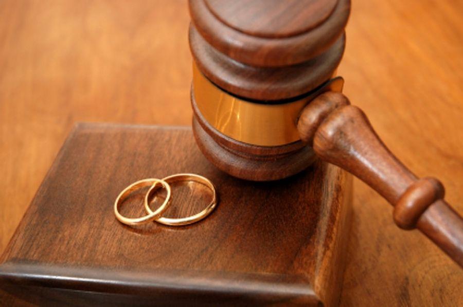 El nuevo matrimonio de la ex esposa no extingue la pensión compensatoria al haberse acordado mantenerla aunque variase su «situación civil»