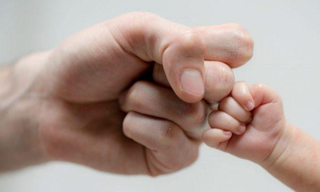 Entra en vigor el permiso de paternidad de 8 semanas
