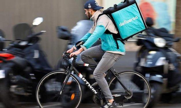 Los 'riders' de Deliveroo están sujetos a una relación laboral con la empresa