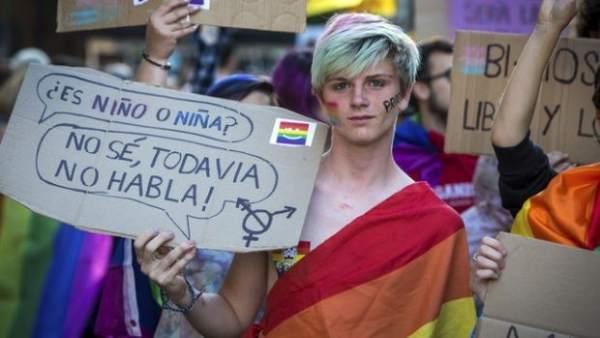 El Tribunal Constitucional avala que los menores transexuales puedan solicitar el cambio de sexo en el Registro Civil